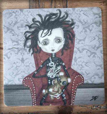 ilustración original decoración regalo alfombrilla ratón ordenador eduardo manostijeras steampunk gotico pelicula cine tim burton johnny depp osito peluche