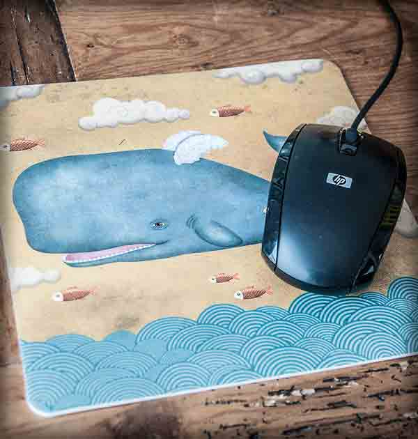 ilustración original decoración regalo alfombrilla ratón ordenador ballena peces mar volar nubes animales