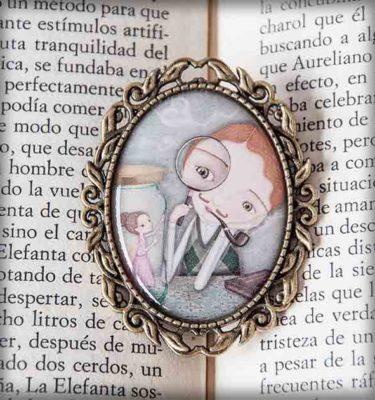 ilustración original decoración regalo broche complementos dorado amor romántico hada madrina pipa fumar te quiero pareja