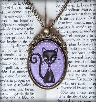 decoración bebé infantil regalo dibujo arte diseño cine amor niños vintage ropa venta digital cuadro colgante morado gato negro naif cascabel original ilustrado