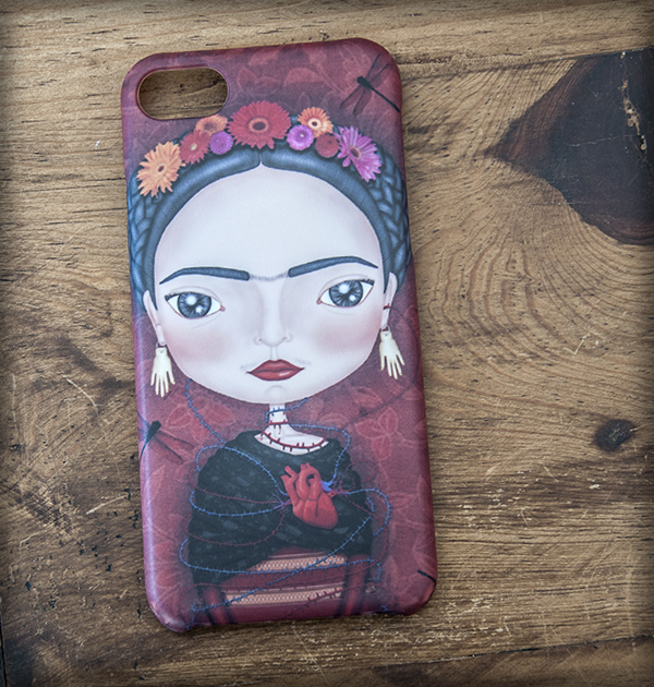 ilustración original decoración regalo carcasa iphone diseño frida kahlo mexico artista corazon libelulas flores